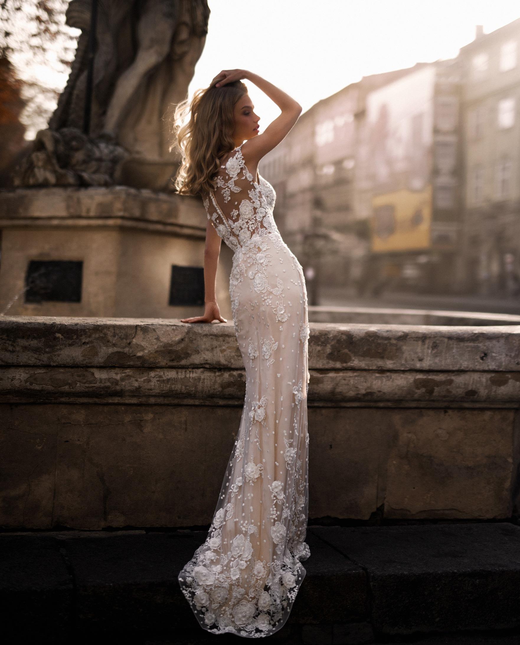 4284ef77240 Купить свадебное платье в Киеве недорого. Лучшие цены на платья ...